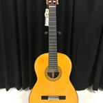 Yamaha GC22S Grand Concert, Solid Spruce Top, Solid Rosewood Back/Sides