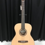 Kremona M15 Solid Spruce Top Orchestra Guitar